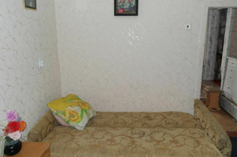 2-комн. квартира на 4 человека, улица Революции, 16, Евпатория - Фотография 3