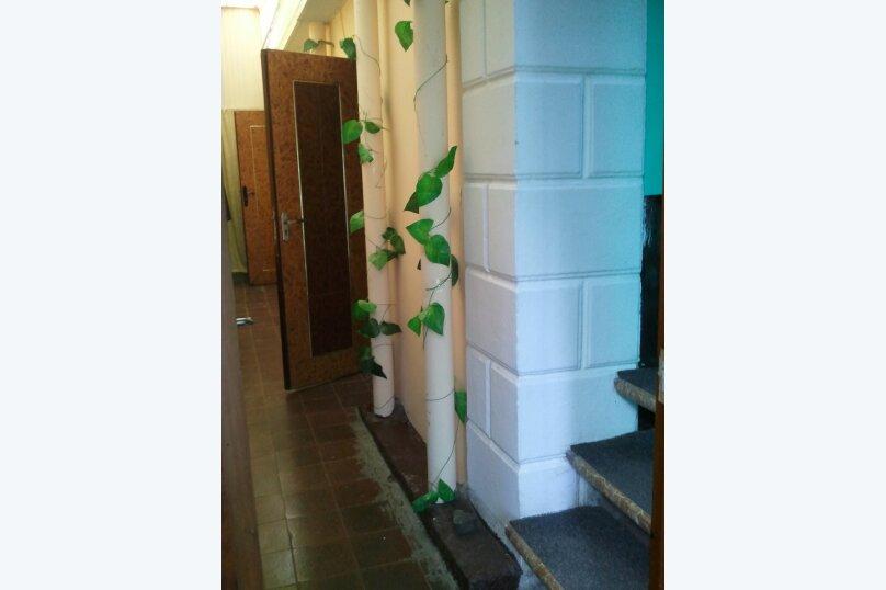 Комната по ул.Горького недорого на 50 человек, 2 спальни, улица Саранчева, 2, Алушта - Фотография 2