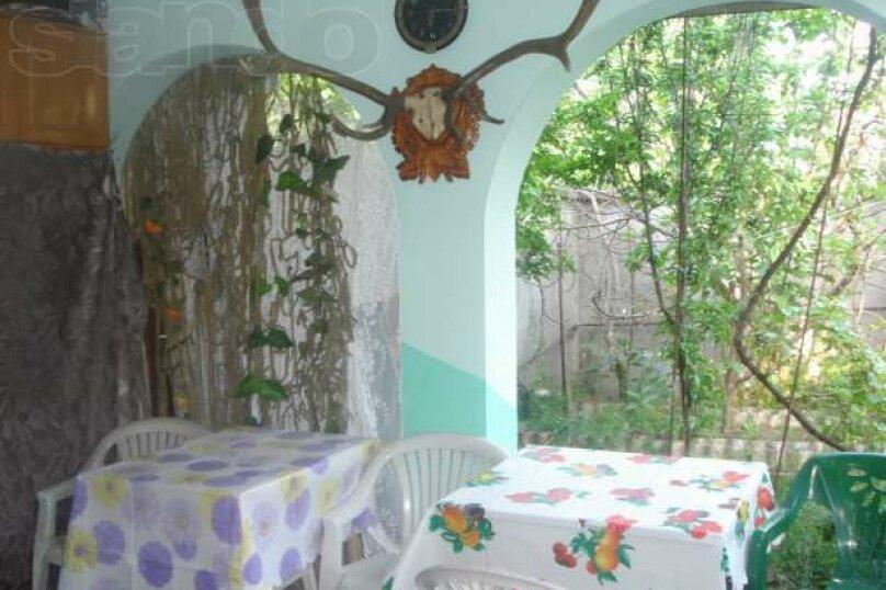 Комната по ул.Горького недорого на 50 человек, 2 спальни, улица Саранчева, 2, Алушта - Фотография 6