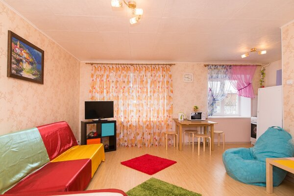 1-комн. квартира, 33 кв.м. на 4 человека, улица Шейнкмана, 32, Площадь 1905 года, Екатеринбург - Фотография 1
