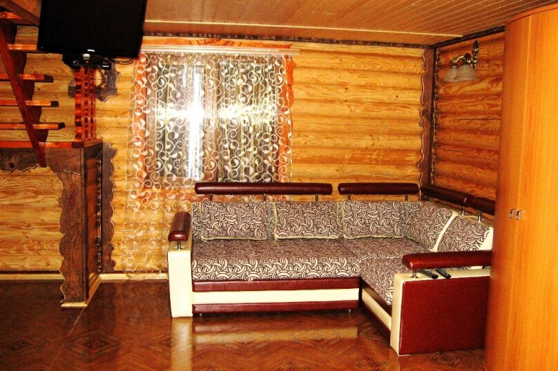Двухэтажный деревянный коттедж, Школьная, 1 Б, Морское - Фотография 2