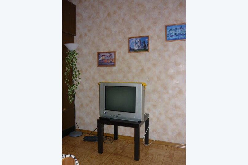 1-комн. квартира, 30 кв.м. на 1 человек, улица Степанца, 12/2, Омск - Фотография 3