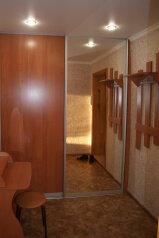 1-комн. квартира, 37 кв.м. на 4 человека, Знаменский переулок, 19, Тобольск - Фотография 1