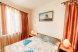 Люкс Двухкомнатный 5 местный номер, Пионерский проспект, 70Г/4, Джемете с балконом - Фотография 1