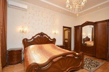 2-комн. квартира, 60 кв.м. на 4 человека, улица Цвиллинга, 61, Центральный район, Челябинск - Фотография 1