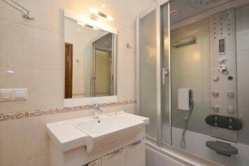 2-комн. квартира, 60 кв.м. на 4 человека, улица Цвиллинга, 61, Центральный район, Челябинск - Фотография 4