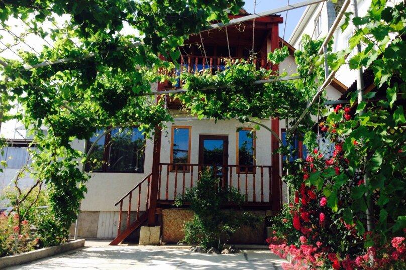 Дом, 150 кв.м. на 10 человек, 4 спальни, улица Юго-западная, 69, Судак - Фотография 1