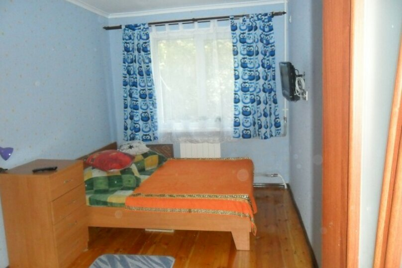 3-комн. квартира, 68 кв.м. на 6 человек, улица Сурикова, 16, Алупка - Фотография 9