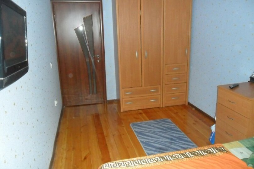 3-комн. квартира, 68 кв.м. на 6 человек, улица Сурикова, 16, Алупка - Фотография 10