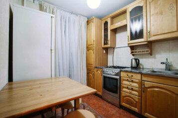 1-комн. квартира, 35 кв.м. на 4 человека, проспект Андропова, метро Коломенская, Москва - Фотография 2