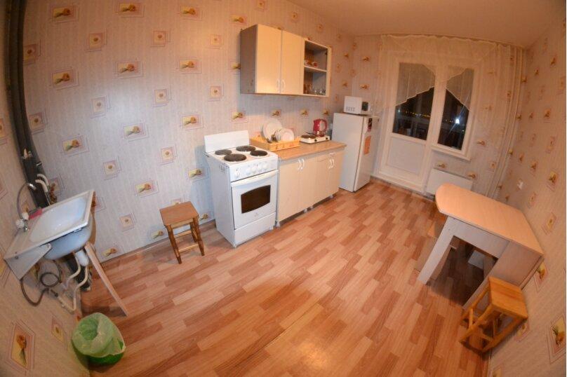 4-комн. квартира, 60 кв.м. на 8 человек, Северный проезд, 12, Красноярск - Фотография 6