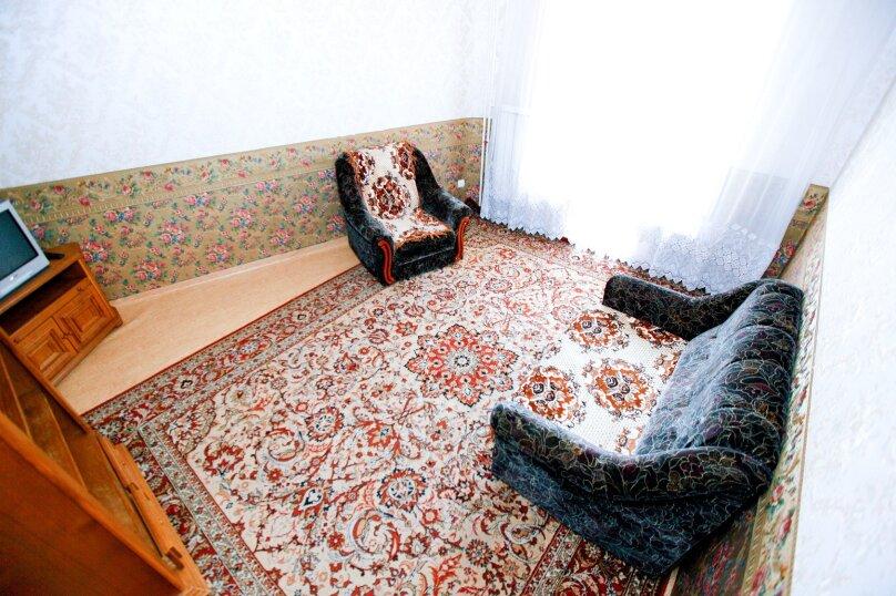 4-комн. квартира, 80 кв.м. на 8 человек, Северный проезд, 16, Красноярск - Фотография 2