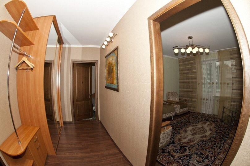3-комн. квартира, 80 кв.м. на 8 человек, Северный проезд, 16, Красноярск - Фотография 7