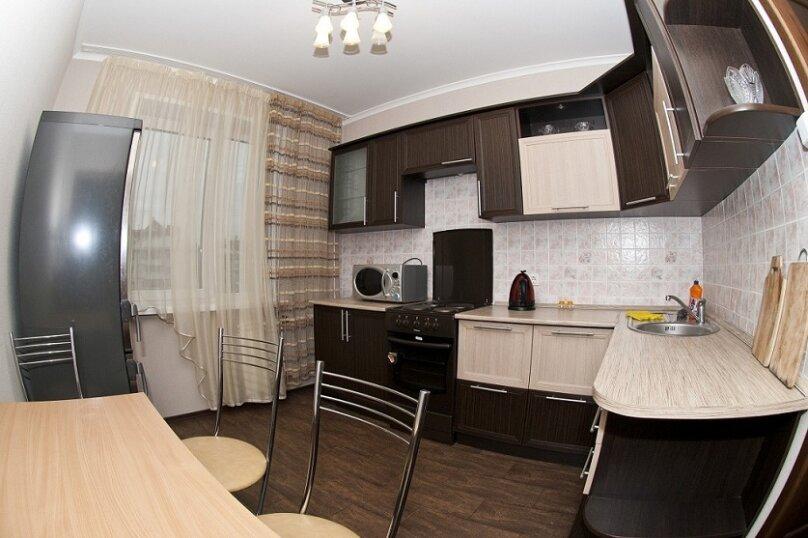 3-комн. квартира, 80 кв.м. на 8 человек, Северный проезд, 16, Красноярск - Фотография 6