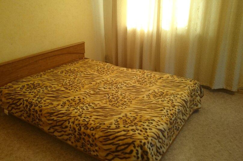 1-комн. квартира, 37 кв.м. на 2 человека, Семафорная улица, 239, Красноярск - Фотография 1