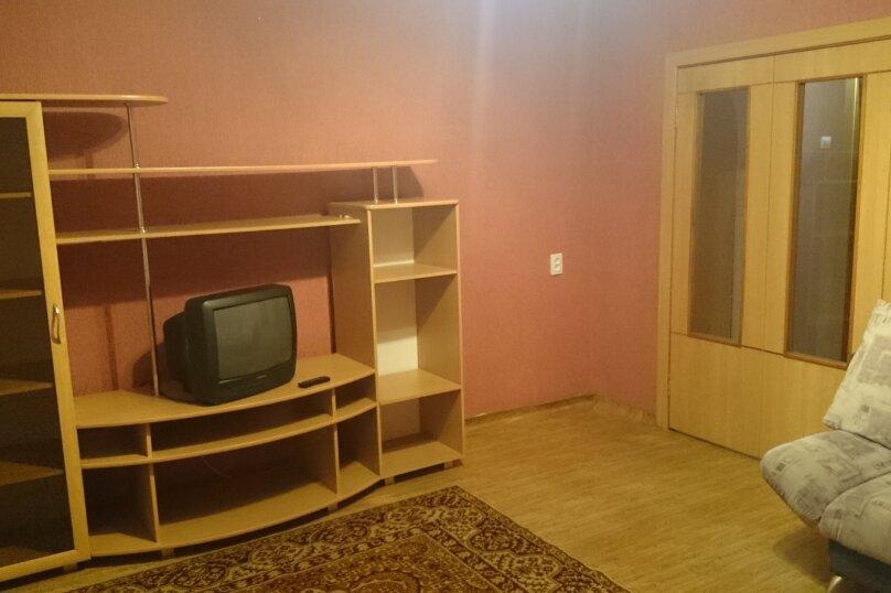 1-комн. квартира, 37 кв.м. на 2 человека, улица 78 Добровольческой Бригады, 21, Красноярск - Фотография 1