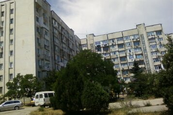 2-комн. квартира, 42 кв.м. на 4 человека, улица Генерала Бирюзова, 2, Судак - Фотография 1
