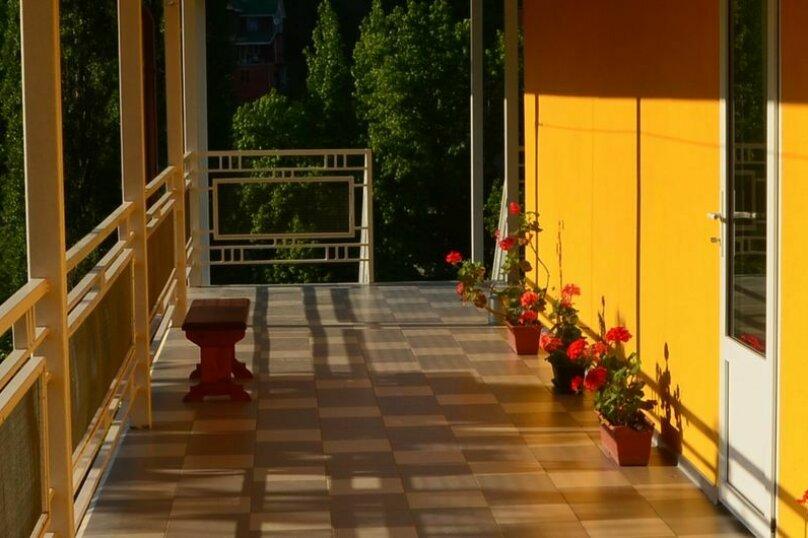 """Гостевой дом """"Желтый"""", Главная улица, 10 на 10 комнат - Фотография 7"""