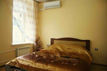 Эконом отель у Невского проспекта, 4-я Советская улица, 13 на 4 номера - Фотография 1