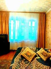 2-комн. квартира, 60 кв.м. на 6 человек, улица Диановых, 19, Ленинский район, Иваново - Фотография 1