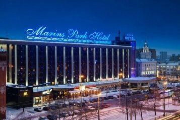 """Конгресс-Отель """"Маринс Парк Отель"""", улица Челюскинцев, 106 на 406 номеров - Фотография 1"""