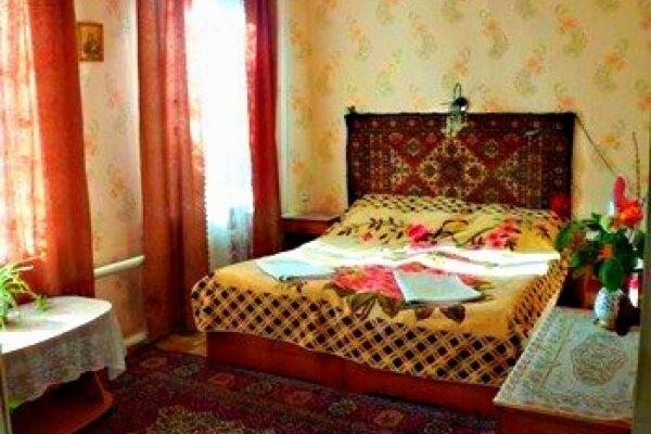 Дом в Судаке - 5 минут до моря на 4 человека, 2 спальни