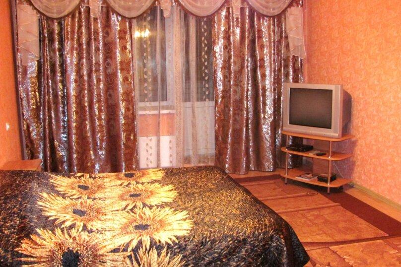 2-комн. квартира, 72 кв.м. на 4 человека, Антонова-Овсеенко, 31, Воронеж - Фотография 1