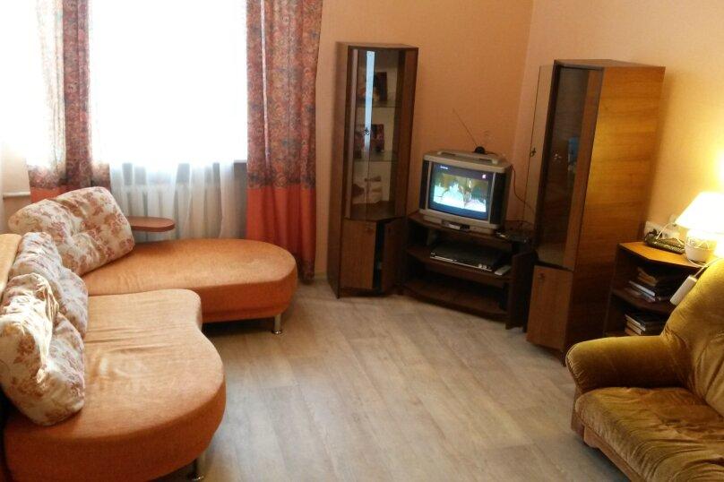 2-комн. квартира, 54 кв.м. на 6 человек, улица Гоголя, 30, Петрозаводск - Фотография 16