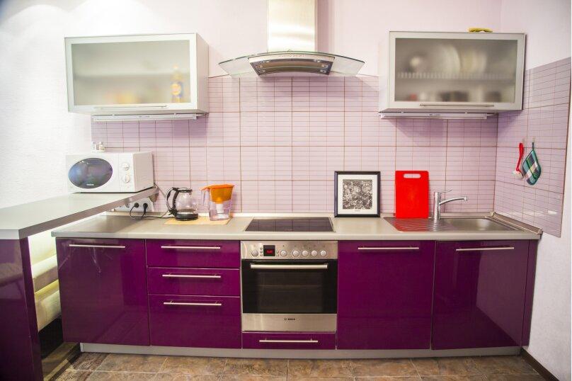 2-комн. квартира, 70 кв.м. на 5 человек, улица Авиаторов, 25, Красноярск - Фотография 12