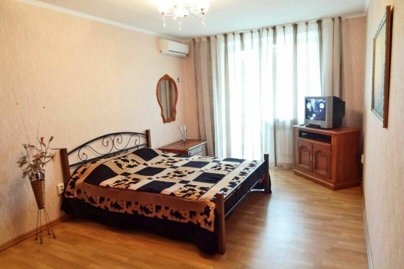 1-комн. квартира на 4 человека, Крымская улица, 86, Феодосия - Фотография 1