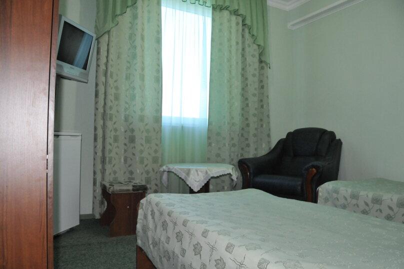 С двумя односпальными кроватями, улица Калинина, 8, Адлер - Фотография 1