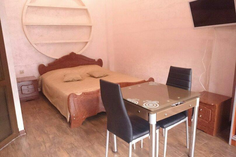 Отдельная комната, улица Калинина, 20, Адлер - Фотография 1