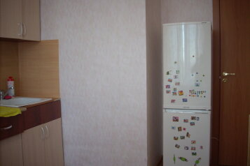1-комн. квартира, 35 кв.м. на 4 человека, улица Фёдора Абрамова, 16к1, метро Парнас, Санкт-Петербург - Фотография 2