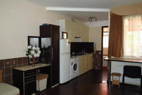 2й-этаж Студия на 4 человека, 1 спальня, улица Пушкина, 34, Евпатория - Фотография 1