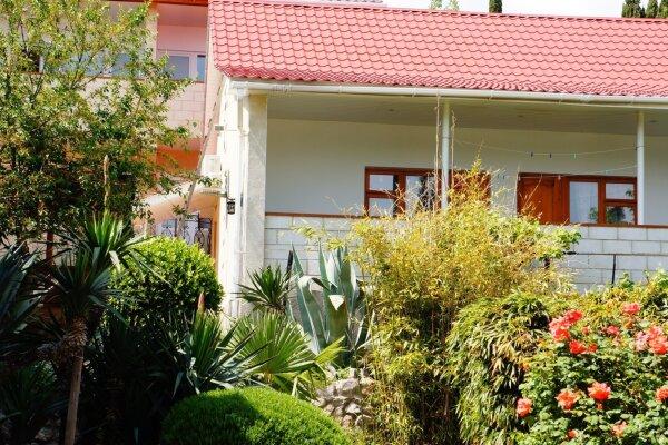 Гостевые домики, улица Паустовского, 13В на 8 номеров - Фотография 1