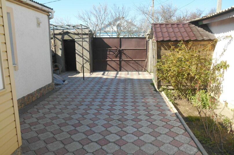 Дом с шикарным двором, 80 кв.м. на 6 человек, 3 спальни, улица Кропоткина, 3, Евпатория - Фотография 4