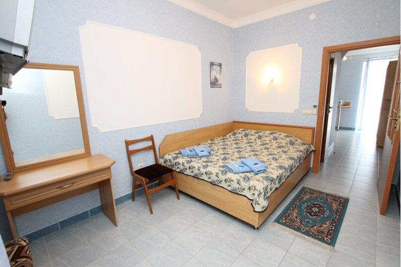 """Гостевой дом """"Мелания"""", бухта Двуякорная, 52 на 11 комнат - Фотография 23"""