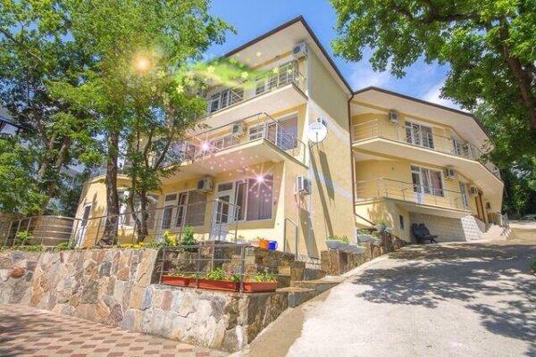 Отель, Микрорайон Широкая Щель, 5 на 63 номера - Фотография 1