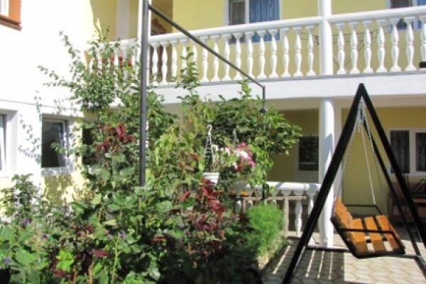 Гостевой домик, улица Южногородская, 24 на 17 номеров - Фотография 1