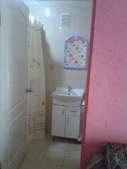Сдам благоустроенный двухкомнатный дом, 80 кв.м. на 8 человек, 2 спальни, улица Вити Коробкова, Евпатория - Фотография 4
