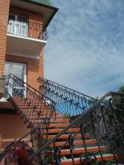 Дом в Береговом два отдельных этажа, 150 кв.м. на 10 человек, 5 спален, Интернациональная улица, 17, Береговое, Феодосия - Фотография 2