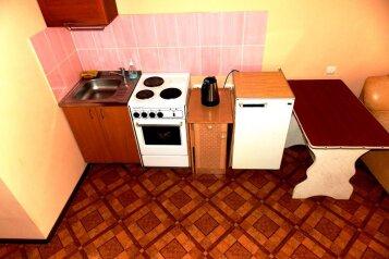 1-комн. квартира, 38 кв.м. на 2 человека, Светлогорский переулок, Советский район, Красноярск - Фотография 2