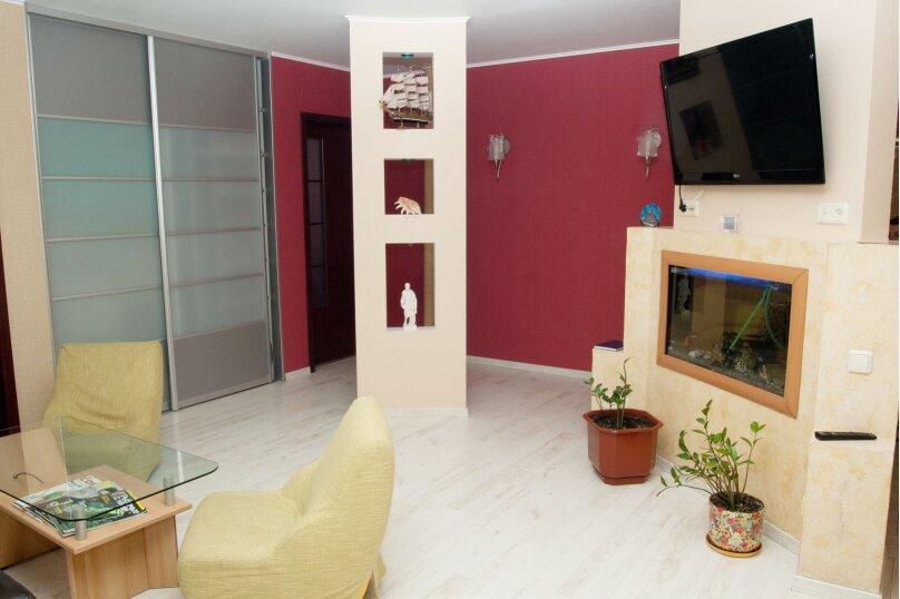 2-комн. квартира, 56 кв.м. на 2 человека, проспект Степана Разина, 28, Тольятти - Фотография 1