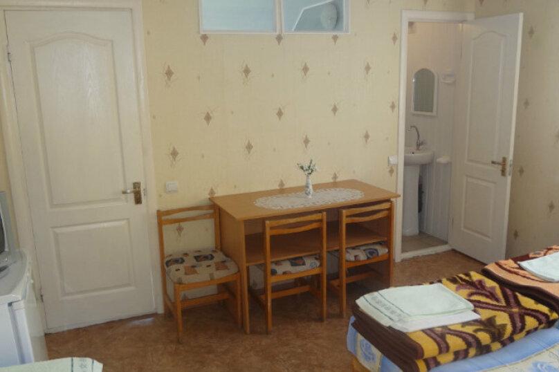 1 комнатный  2-х местный, Боевая улица, 21, Феодосия - Фотография 1