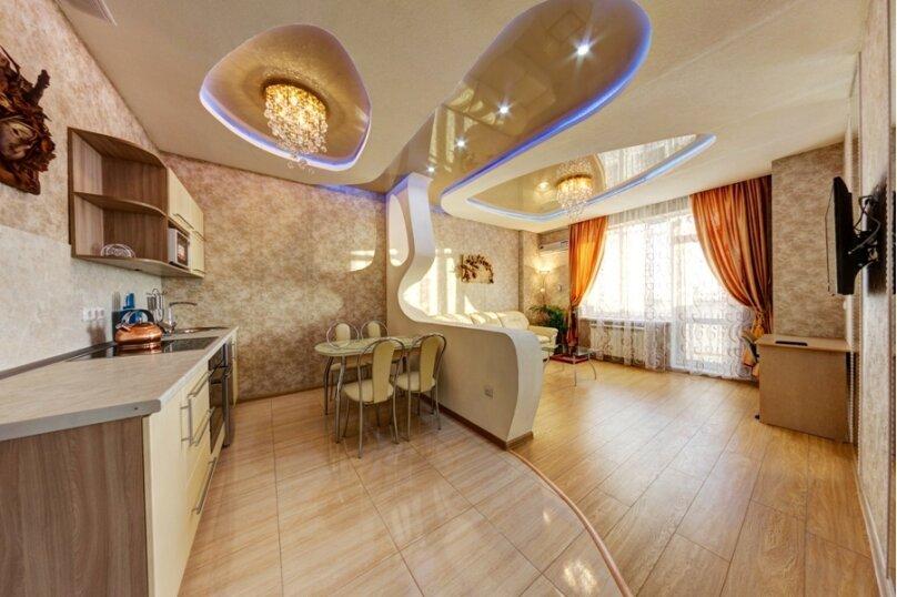 2-комн. квартира, 60 кв.м. на 4 человека, улица Братьев Кашириных, 34, Челябинск - Фотография 2