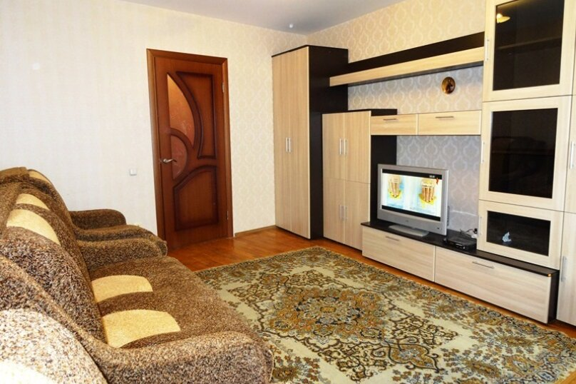 2-комн. квартира, 54 кв.м. на 7 человек, Крымская, 190, Анапа - Фотография 1