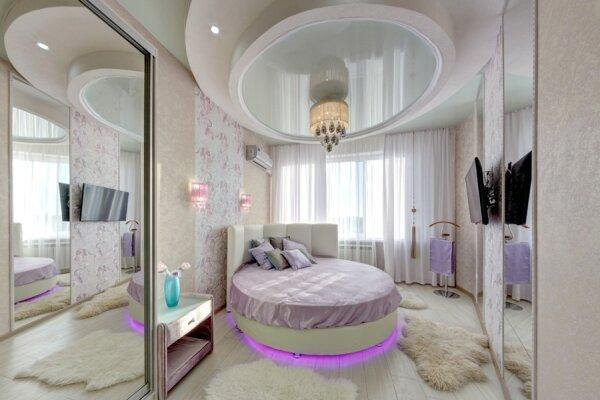 2-комн. квартира, 60 кв.м. на 4 человека, улица Братьев Кашириных, 34, Челябинск - Фотография 1