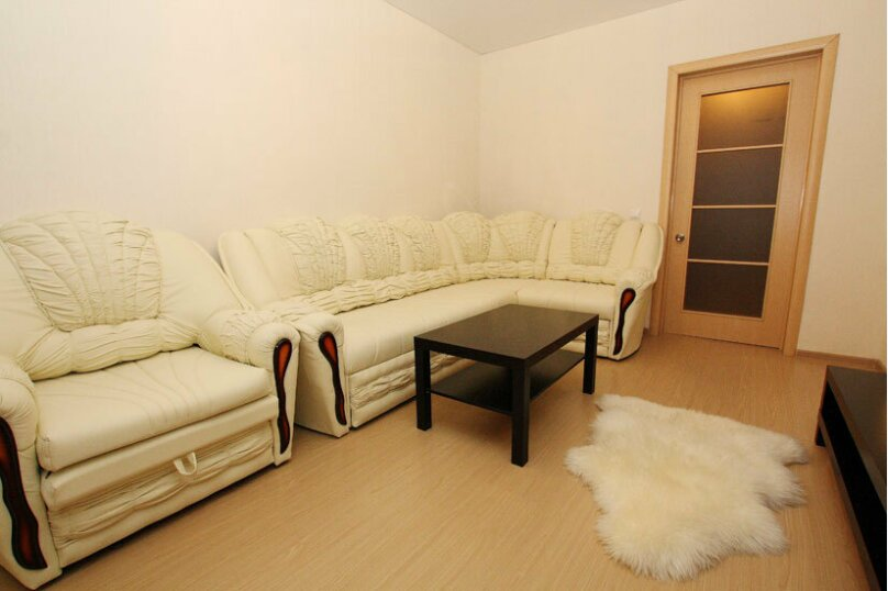 2-комн. квартира, 60 кв.м. на 5 человек, проспект Ленина, 38, Челябинск - Фотография 6