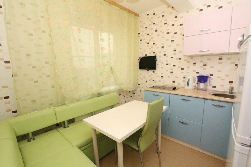 2-комн. квартира, 60 кв.м. на 5 человек, проспект Ленина, 38, Челябинск - Фотография 10