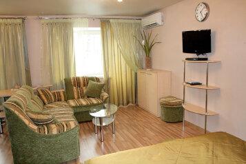 1-комн. квартира, 33 кв.м. на 4 человека, улица Малышева, 7, Екатеринбург - Фотография 1